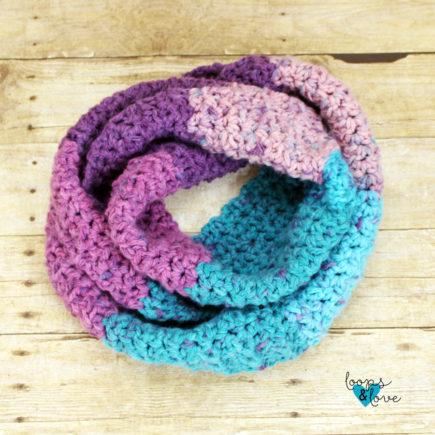 Easy V-Stitch Infinity Scarf