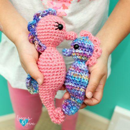 Crochet Seahorse Amigurumi - Free Crochet Pattern